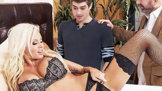 Nikita Von James paralı seks yapmaktan hoşlanıyor